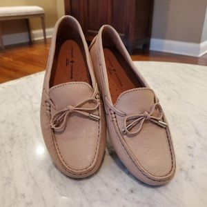 NWOT Mercanti Fiorentini leather string tie loafer